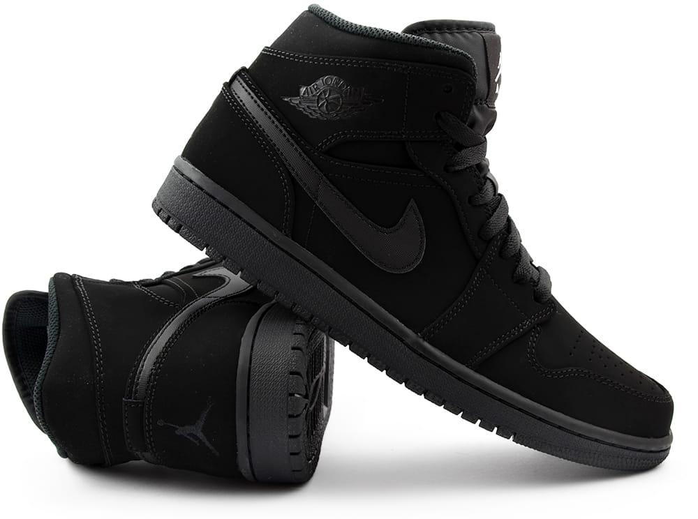 0d532c3d658fb Czarne obuwie, nawiązujące wyglądem do pierwszego modelu z tej serii, jest  dobrym wyborem na każdą pogodę. Buty są wykonane z najlepszych materiałów,  ...