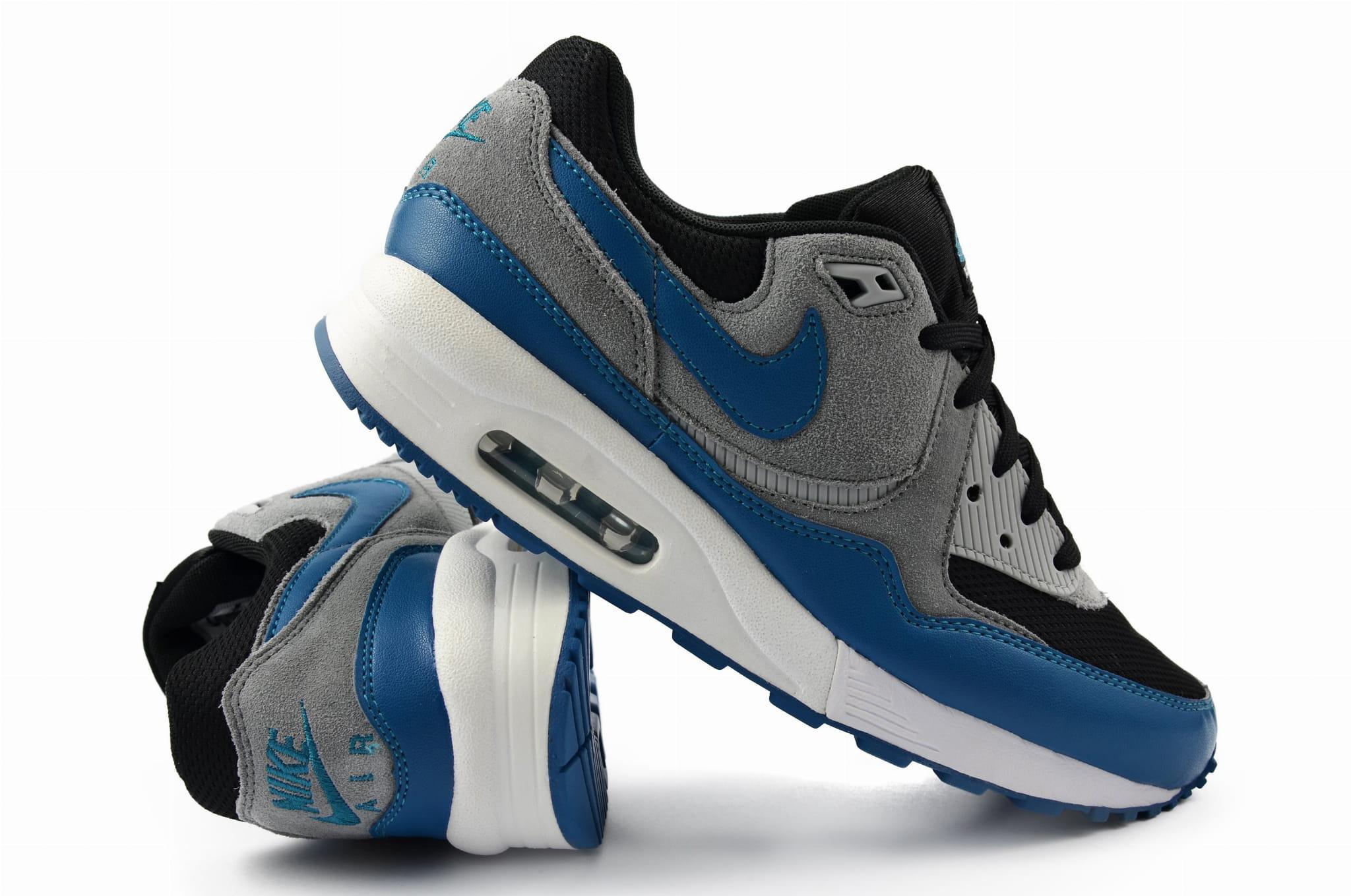 Buty Nike WMNS Air Max Light Essential 624725 003